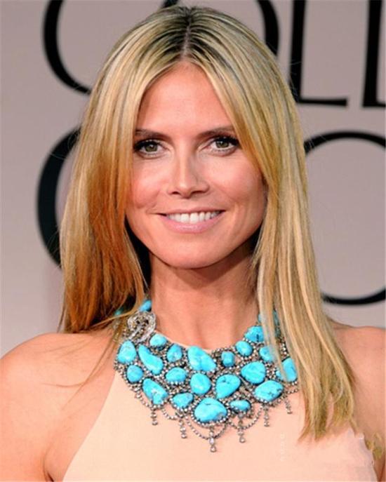 Heidi Klum这条层次感丰富的绿松石项链,彰显独特气质。
