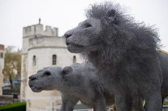 栩栩如生的镀锌钢丝雕塑