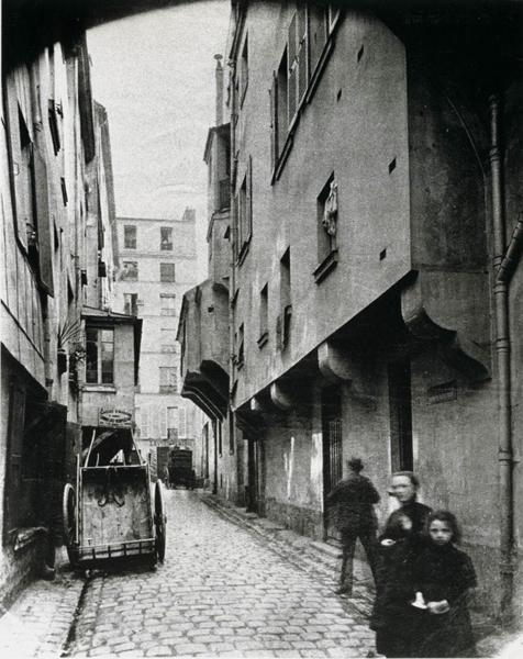 20世纪初期巴黎周边的平民公寓