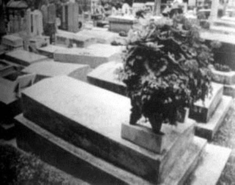 让娜殉情后与莫迪里阿尼合葬之墓