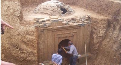 四川宜宾珙县村民地里挖出千年铜鼓