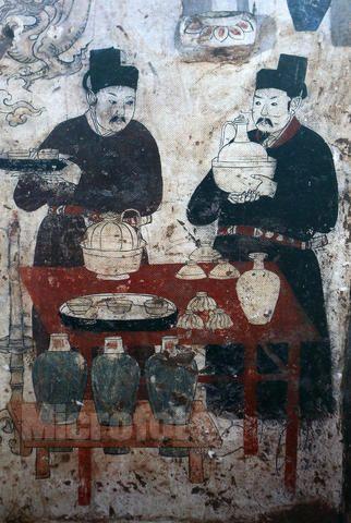 盛行于唐中期至宋代,是由魏晋南北朝以来流行的鸡头壶或盘口壶演变图片