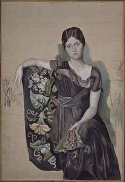 《坐在扶手椅上的 Olga》,1918  Marie-Thérèse Walter,17岁时成为毕加索的模特兼情妇,也是毕加索与第一任妻子离婚的直接原因。两人的关系于1936年因毕加索爱上 Dora Maar 而终结。