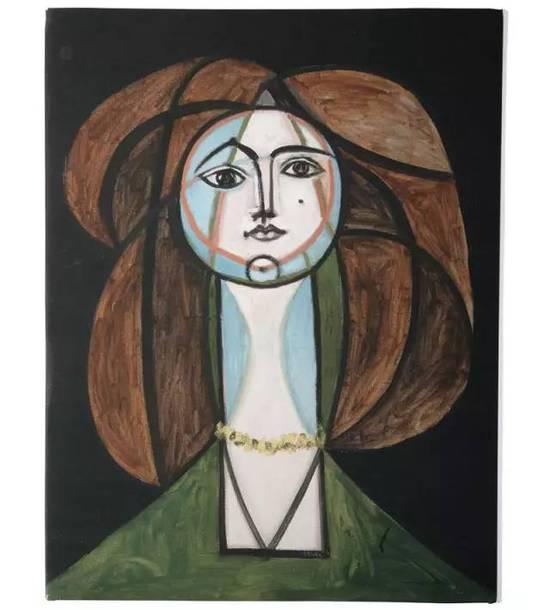 《Francoise Gilot》  Jacqueline Roque是毕加索的第二任妻子,也是陪伴他到去世的人。两人于1961年结婚,毕加索为 Jacqueline 创作了400余幅作品。