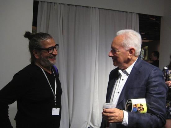 艺术家Carlos Garaicoa和收藏家霍华德·法伯。 图片: courtesy Cuban Art News.