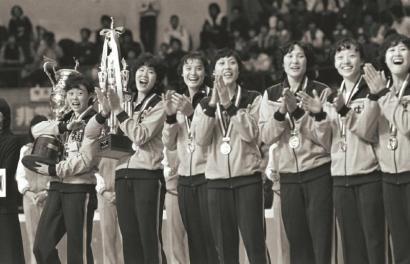 看邮票上的中国女排激发无限爱国热情