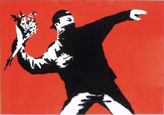 Banksy,Love is in the Air Unsigned(2005)  图片/Courtesy of artnet