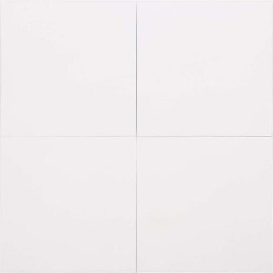 《白色油画[四屏](White Painting [Four Panel])》,布面油画,1951年。图片来源:罗伯特·劳森伯格基金会