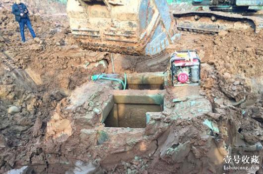 四川巴中一工地发现两座古墓