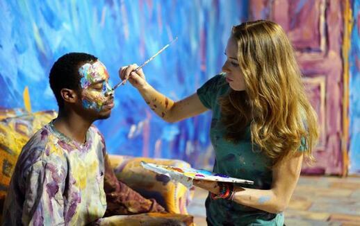 人体艺术百度电影_人体艺术电影将肖像油画带入现实世界