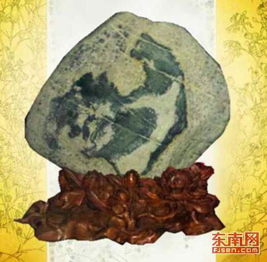 奇石爱好者郭明光收藏的华安玉奇石《雄姿》