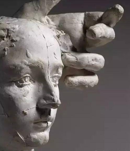 罗丹为卡米耶创作雕像