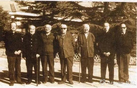 1980年代的中国古代书画鉴定组成员,左起为谢辰生、刘九庵、杨仁恺、谢稚柳、启功、徐邦达、傅熹年