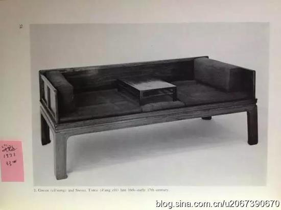 两侧围子正反装的同一张罗汉床