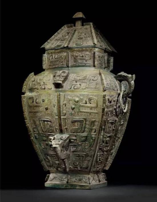 商晚期青铜饕餮纹方罍