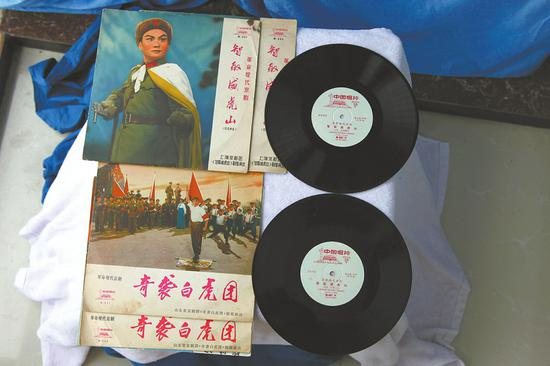 宋元清收藏的电影唱片。