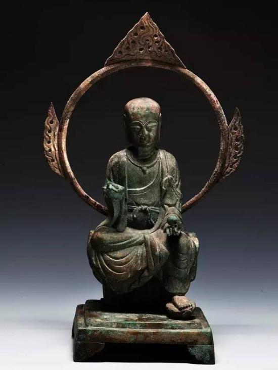 吴越国铜地藏菩萨坐像