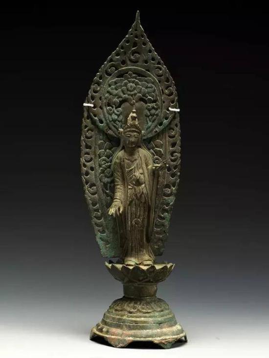 吴越国铜大势至菩萨立像