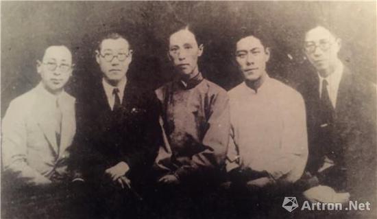 图1、潘天寿与白社国画研究会同仁,左起:张振铎、潘天寿、诸闻韵、张书�纭⑽馄�之