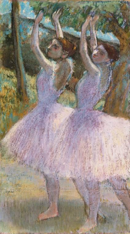 德加,《Danseuses aux jupes violettes, braslevés》(约1895–98)图片:Courtesy of the Fitzwilliam Museum,Cambridge