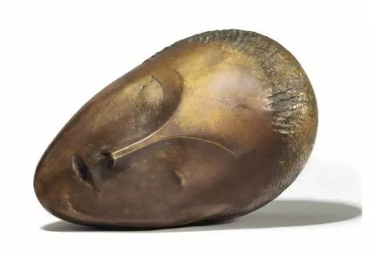 《沉睡的缪斯》,康斯坦丁.布朗库西,估价2500万——3000万美金