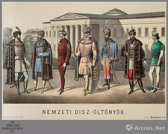 身着庆典服饰的匈牙利人