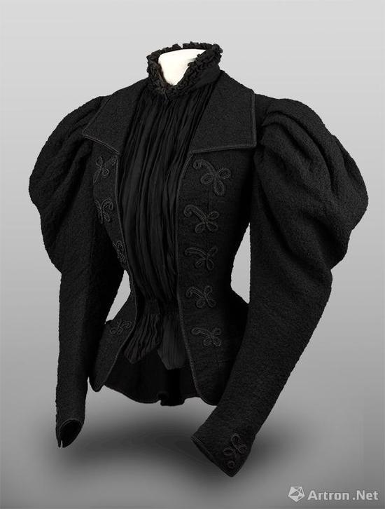 伊丽莎白皇后的上衣  19世纪90年代 羊毛    长:65厘米    匈牙利国家博物馆藏