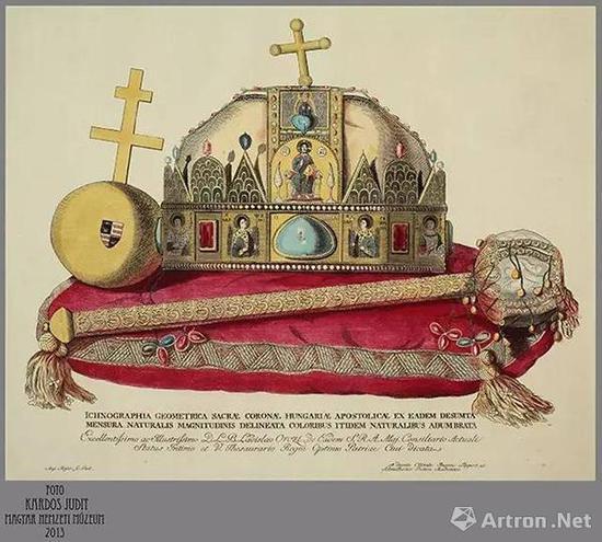 匈牙利圣冠和加冕用配饰