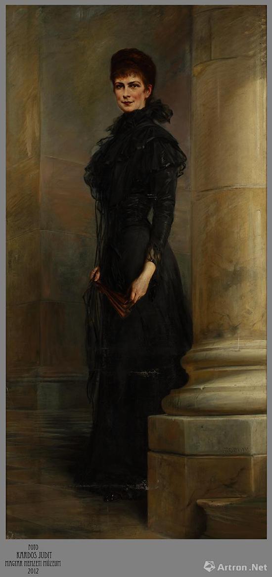 伊丽莎白皇后肖像  约瑟夫·卡贝(1859-1927)    19世纪末 布面油画    215厘米×112厘米×2.5厘米    匈牙利国家博物馆藏