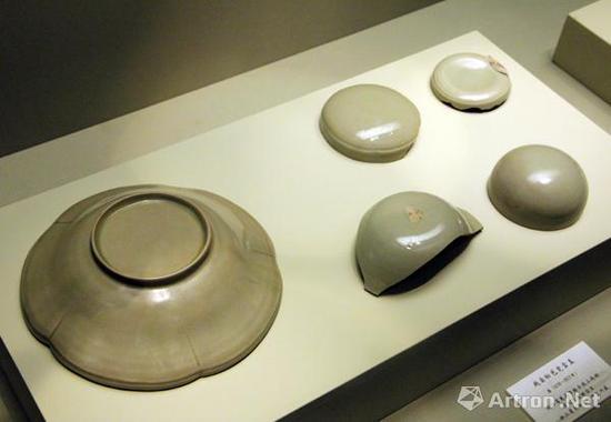后司岙窑址出土的(唐)越窑秘色瓷罐盖和盒盖