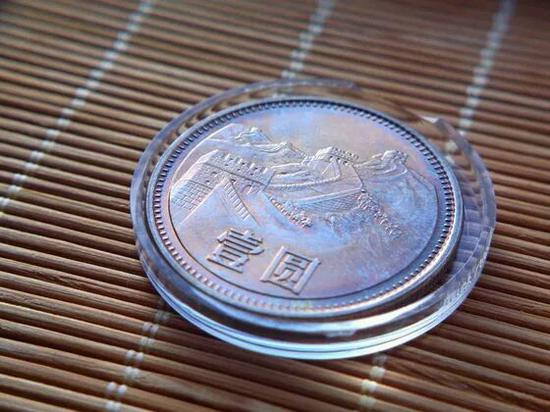 硬币收藏中的极品烟熏妆长城币意外走红