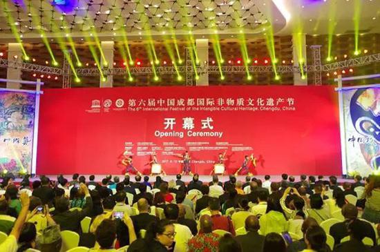 """大师荟萃""""非遗代表性传承人代表作品展""""尽展中国艺"""