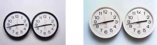 """费利克斯·冈萨雷斯-托雷斯,《""""无题""""(完美爱人)》,1987-1990年。壁钟。总计 13 12 × 27 × 1 14 英寸。两部分直径各13 12英寸。3版,1 AP。? 费利克斯·冈萨雷斯-托雷斯基金会。"""
