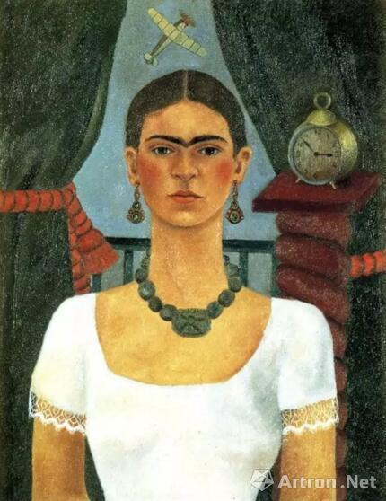 弗里达的第二幅《自画像》中,也是他与迭戈恋爱后的第一幅