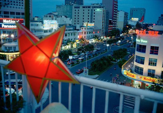 越南,2000,图片版权 ? John Vink