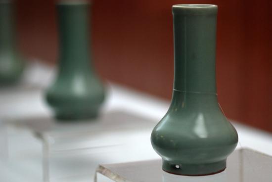 南宋,龙泉窑,粉青釉鼓腹瓶