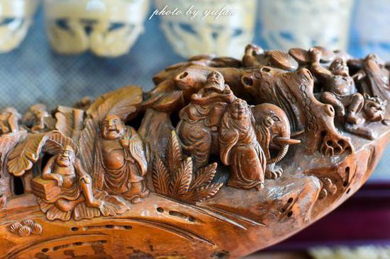 竹根雕刻的人物故事