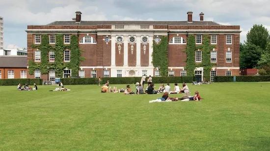 伦敦金匠学院。图片:via Goldsmiths College