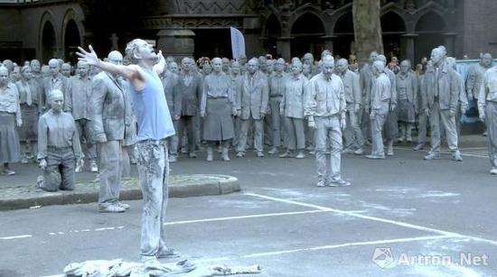 """2017年7月5日,德国汉堡大型行为艺术""""僵尸游行""""现场"""
