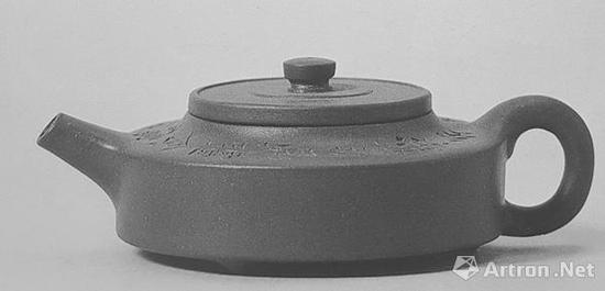上海博物馆藏 香蘅款小周盘壶