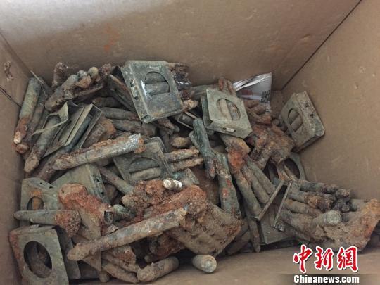 抚宁区天马湖边挖出的子弹  抚宁区公安局供图