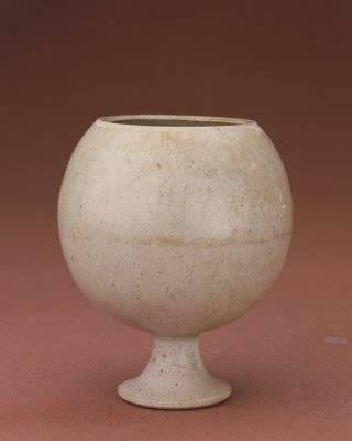 隋 白釉高足杯 北京故宫博物院藏