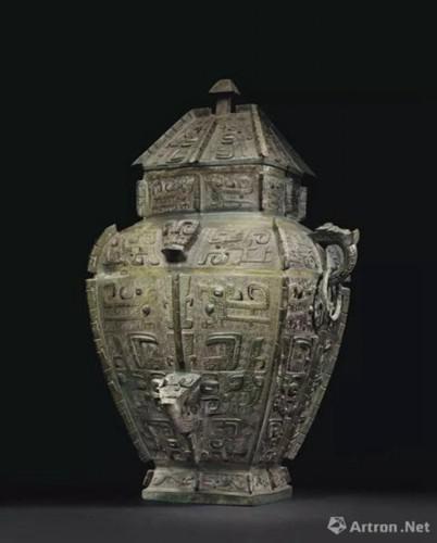 商晚期 安阳 青铜饕餮纹方罍 成交价:33,847,500美元