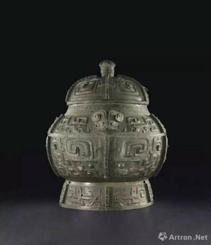 商晚期 安阳 青铜饕餮纹瓿 成交价:27,127,500美元