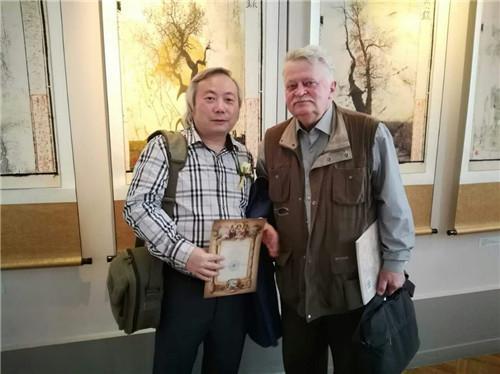 傅文俊与俄罗斯功勋艺术家扎戈涅克合影