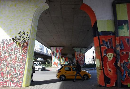 突尼斯街头的涂鸦艺术。 图片来源:Thessa Lageman