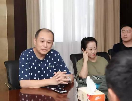 南年夜美术研讨院副院长、南京花鸟画研讨会会长聂危谷老师对研讨会将来的学术开展偏向及运动开展提出计划。