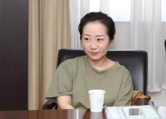 理事会成员:陈贝西