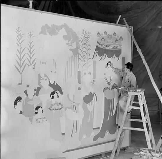"""对莫高窟第130窟残损""""都督夫人礼佛图""""进行复原临摹(1955年)"""