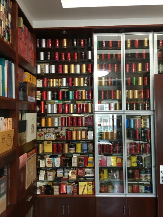 徐锦明所收藏的烟盒